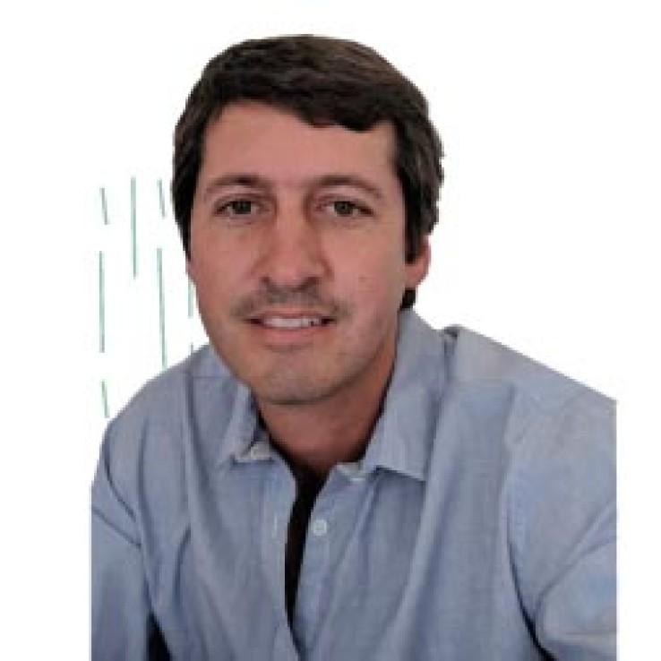 3. Alejandro Sires - Tesorero